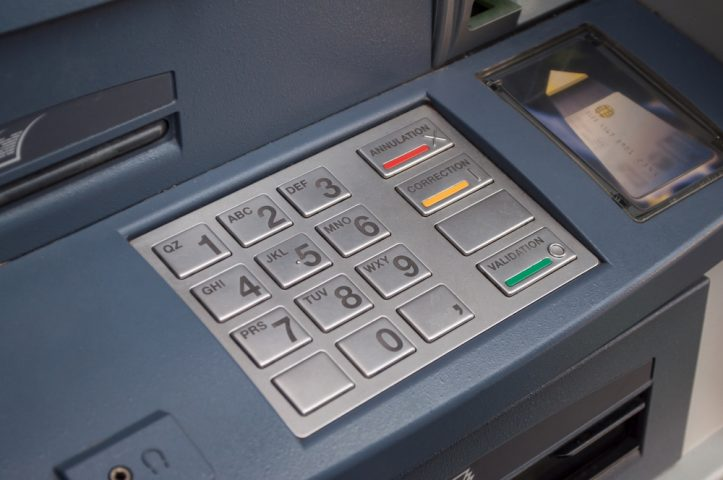 Free cash machines might start charging over dispute with the banks